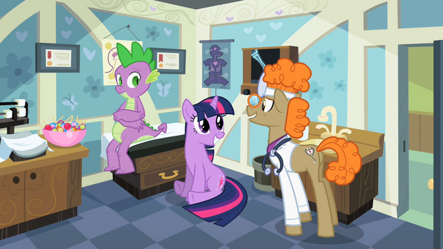 File:Twilight cute greeting S2E10.png