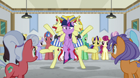 Twilight squished between Flim and Flam S8E16