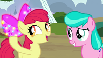 Apple Bloom with bedazzled bow S4E15
