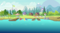 Crusaders and campers enter Cutie Mark Day Camp S7E21