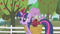 La manzana cayendo S1E3I03