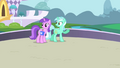 Lyra Heartstrings staring at Twilight S1E1.png
