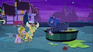 MAFH 07 Luna świetnie się bawi w Noc Koszmarów
