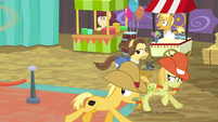 Ponies fleeing from the stadium S9E22