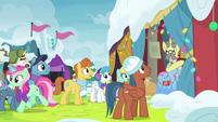 Rainbow Falls ponies listening to Flim MLPBGE