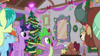 Spike repeating -and presents!- S8E16