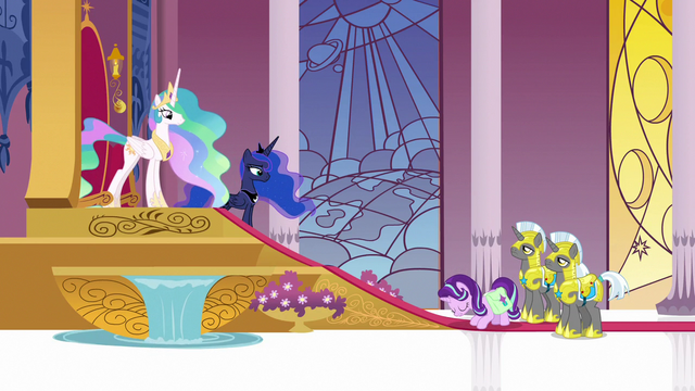 File:Starlight Glimmer bowing to Celestia and Luna S7E10.png