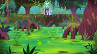 Starlight and Trixie in a green swamp S8E19