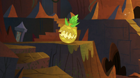 Another living pineapple is created S9E24