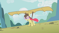 Apple Bloom hang gliding S1E12