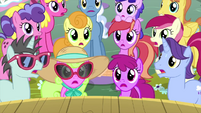 Audience ponies gasping in shock MLPS5