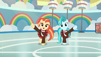 Cheer ponies practice their routine again S9E15