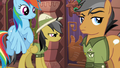 Daring Do studying the door S6E13.png