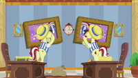 Flim and Flam rotate their wall portraits S8E16