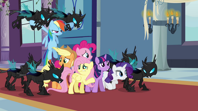 File:Main 6 captured by Changelings S02E26.png