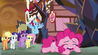 Pinkie Pie crying over the Cakes S9E2