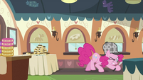 Pinkie Pie looking around 5 S2E24