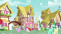 Ponies interacting in future Ponyville S9E26