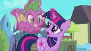 S03E02 Twilight zgadza się, aby Spike z nią poszedł