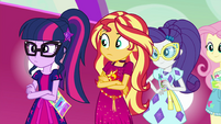 Sunset Shimmer sees Twilight looking worried EGSB