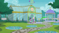 Twilight and Celestia at Celestia's greenhouse EGDS8