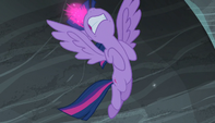 Twilight charges her magic S5E1