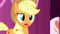 Applejack -no idea what you're talkin' about- S7E9