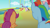 Applejack and Rarity take off with Apple Bloom and Sweetie Belle S3E6