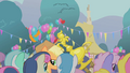 Applejack dragging her trophy S1E04.png