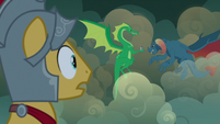 Flash Magnus looks at the dragon from a distance S7E16