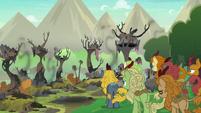 Kirin look at their destroyed village S8E23