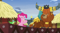 Pinkie Pie applauding Prince Rutherford's story S7E11