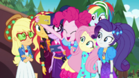 Pinkie Pie showing picture to her friends EGDS44