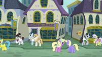 Ponies in Canterlot's Restaurant Row S6E12
