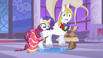 Prince Blueblood stopping Rarity S1E26