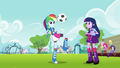 Rainbow Dash juggles the ball EG.png