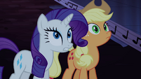 Rarity and Applejack looking S04E03
