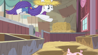 Rarity diving into the mud S4E13