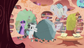 Rarity with Tom S2E02.png