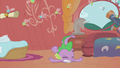 Spike slams onto the floor S1E10.png