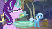 Starlight finishes eating the last haycake S8E19