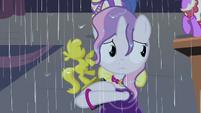 Sweetie in the rain S4E19