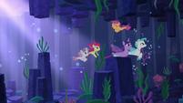 Twilight, Terramar, and CMC swim to Seaquestria S8E6