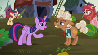 Twilight --could you please call off the pumpkining--- S5E23