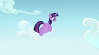 Twilight hears another commotion on the ground S7E14