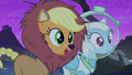 """Applejack """"the scariest part of the corn maze!"""" S5E21.png"""