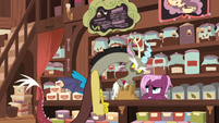Discord gets angry at the tea salespony S7E12