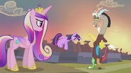 Discord pointing at Twilight S4E11