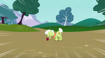 Granny Smith going to eat apple S3E09
