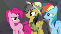 Rainbow, Pinkie, and Daring determined to catch Caballeron S7E18